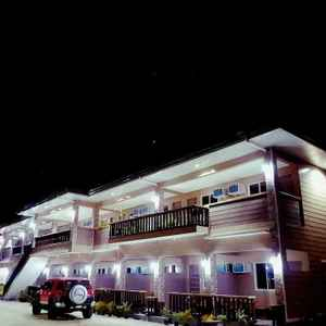 JELLY'S HAVEN RESORT