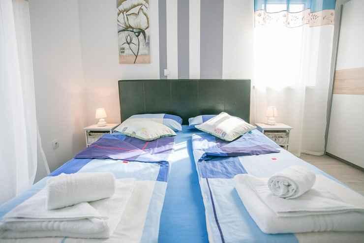One Bedroom Apartment Kardumovic Iv Blue On The Third Floor Apts