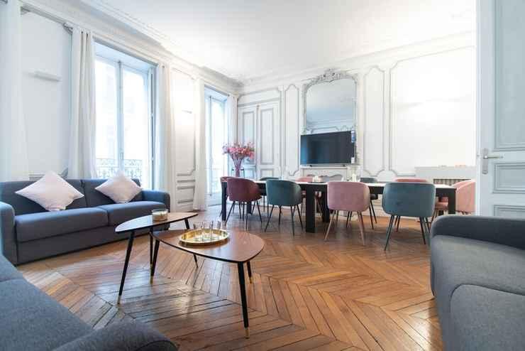 Featured Image Dreamyflat - Champs Elysées