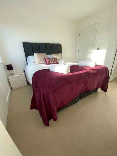 Featured Image Queens House Suite