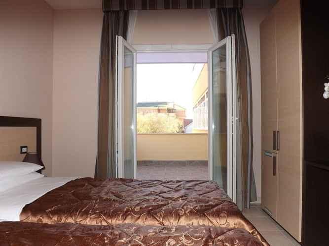 Featured Image Hotel De La Ville Relais