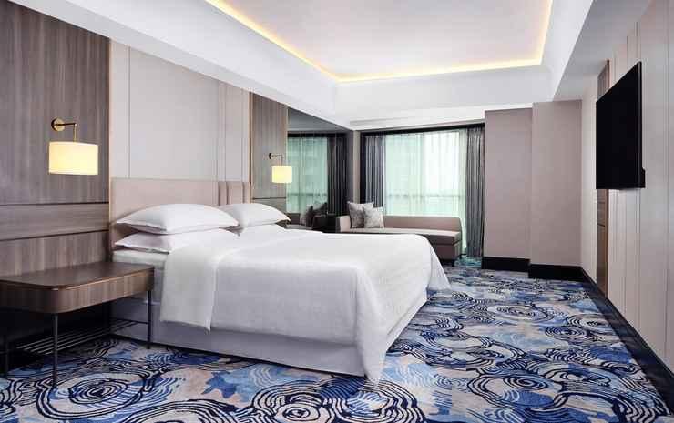 Sheraton Surabaya Hotel and Towers Surabaya - Kamar Klub, 1 Tempat Tidur King, akses business lounge, pemandangan kota