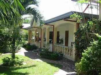 EXTERIOR_BUILDING Lapu Lapu Cottages and Restaurant