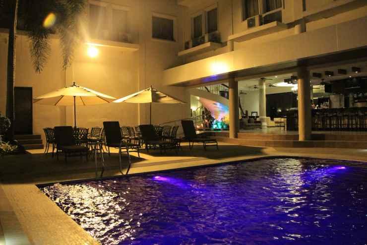 SWIMMING_POOL Savannah Resort Hotel