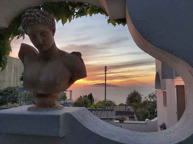 VIEW_ATTRACTIONS Capri MyHouse 3