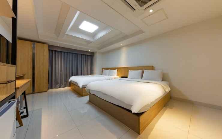 BEDROOM I.Y Hotel