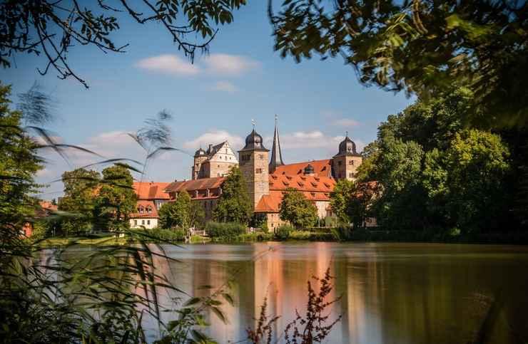 VIEW_ATTRACTIONS Schloss Thurnau