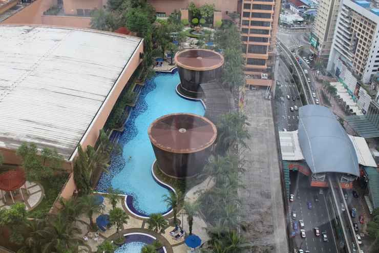 SWIMMING_POOL Ozone Service Suite At Times Square