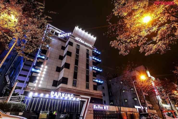 EXTERIOR_BUILDING Seven Hotel