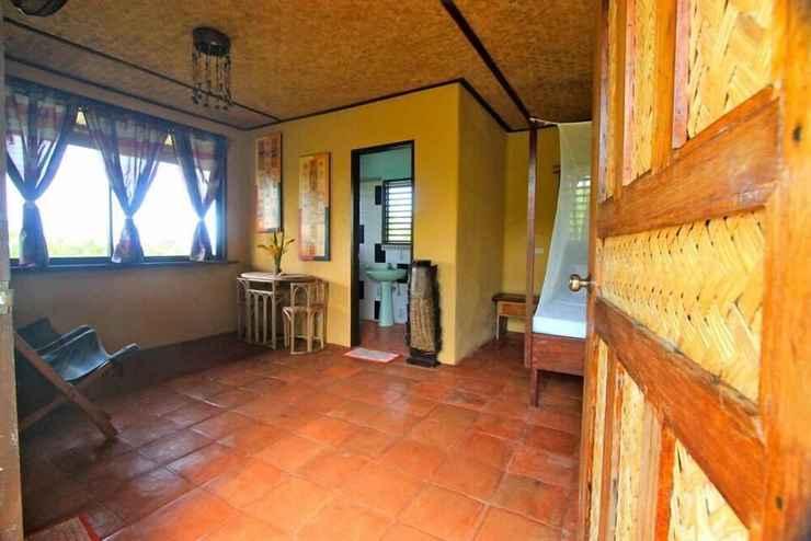 BEDROOM Casa Rosa Taytay