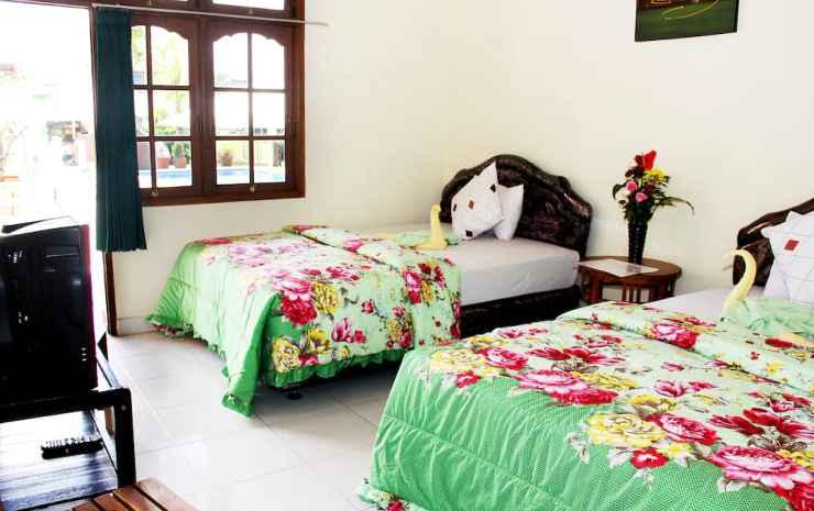 Warung Coco Hostel Bali - Kamar Twin, di pinggir kolam renang