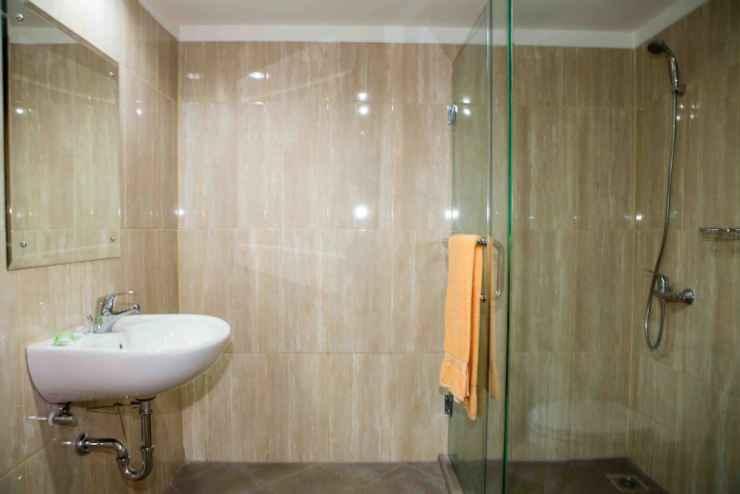 BATHROOM Hotel Banyuwangi Sintera
