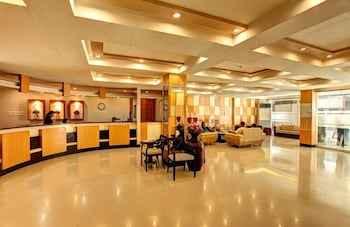 LOBBY Grand Astoria Hotel
