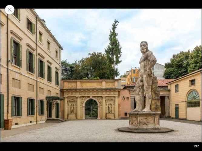 EXTERIOR_BUILDING Palazzo Mantua Benavides Suites and Apartments