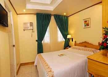 BEDROOM Sugarland Suite