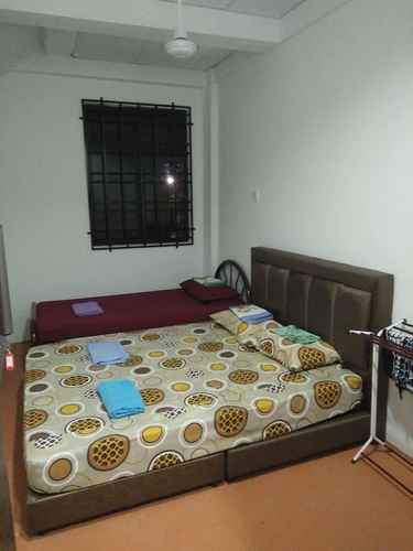 BEDROOM Diyana Budget Hotel