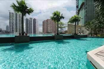 SWIMMING_POOL The Manor Luxury Suites & Apartments
