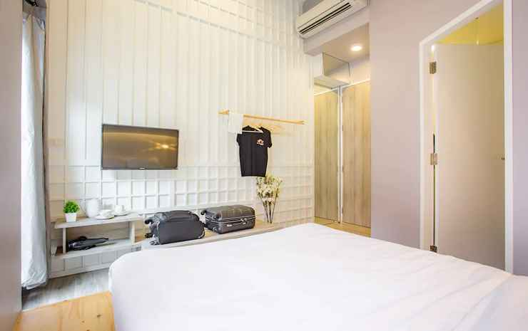 Nornyaowarat Hotel Bangkok - Deluxe Double Room with Private Bathroom