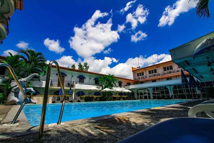 SWIMMING_POOL Clarkton Hotel
