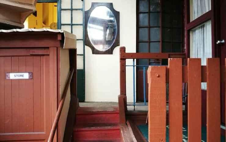 Grocer's Inn Kuala Lumpur - Double Decker (Share Bathroom & Fan)