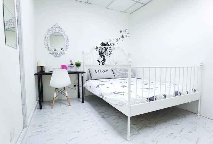 BEDROOM G Traveler Accommodation - Hostel