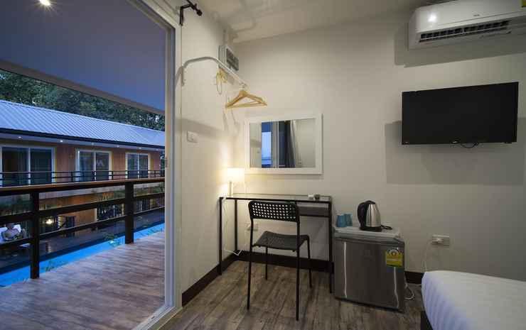 Resort M - MRT Huai Kwang Bangkok - Double Room with Pool View