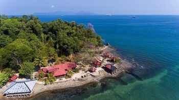 VIEW_ATTRACTIONS The Jemuruk Island Resort