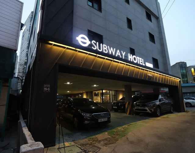 EXTERIOR_BUILDING SUBWAY HOTEL