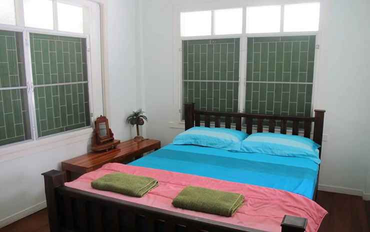 The Oasis Hostel - Adults Only Bangkok - Double Room with Shared Bathroom and Garden View