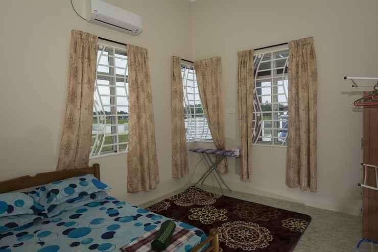 BEDROOM JF Wadi Sofea Homestay