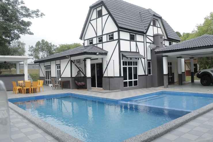 SWIMMING_POOL TRAVELORE.MY Homestay Villa D'Lagos