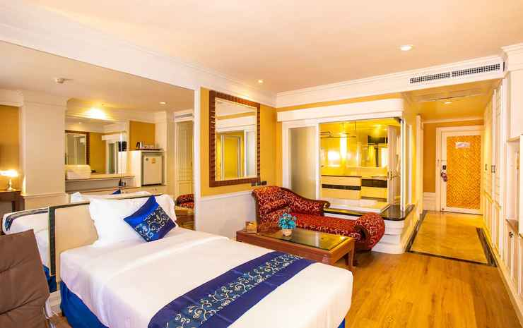 Floral Hotel Dolphin Circle Pattaya Chonburi - Junior Family room