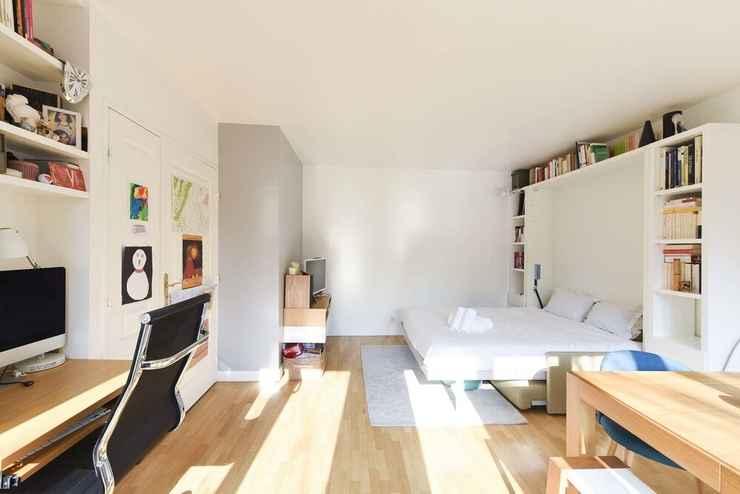 BEDROOM Sunny Studio