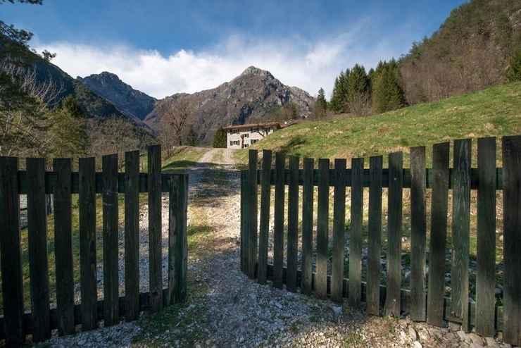 EXTERIOR_BUILDING Agriturismo Borgo Titol