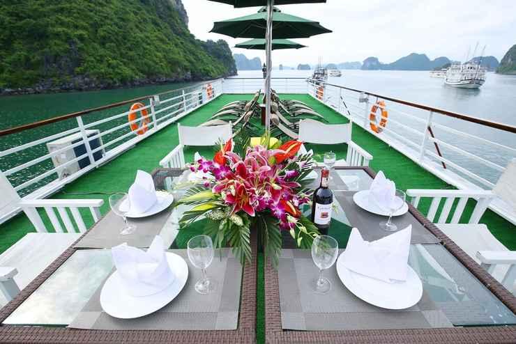 RESTAURANT Du thuyền White Dolphin Cruise