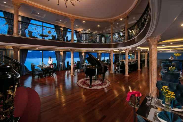 LOBBY Du thuyền Le Theatre Cruise