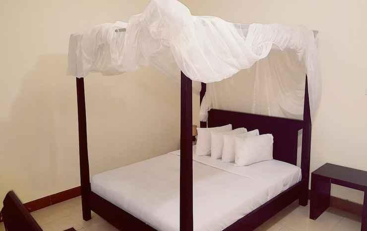 Aman Gati Hotel Lakey Dompu - White Villa