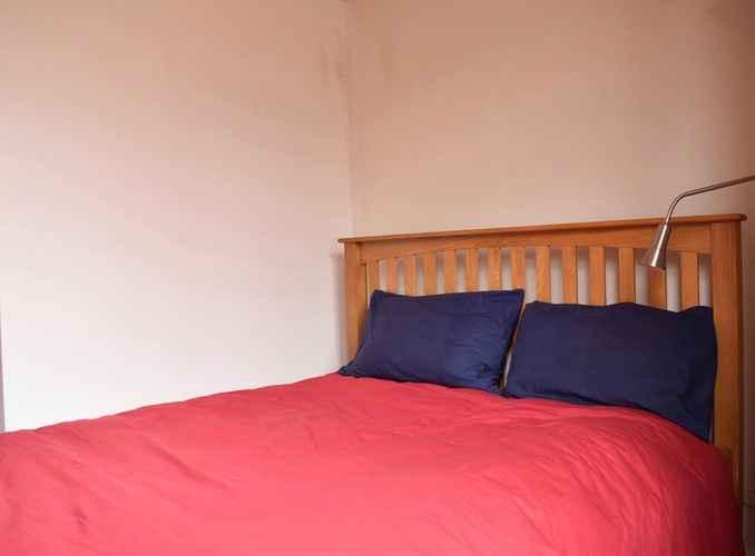 BEDROOM 2 Bedroom Flat in Brockley With Garden
