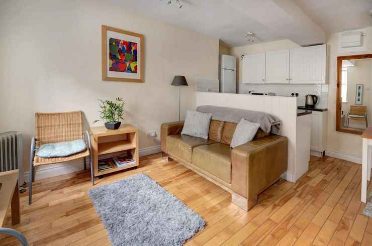 COMMON_SPACE The Shop Cotswold Apartment Sleeps 2