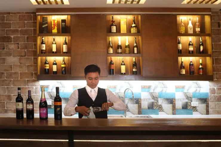 BAR_CAFE_LOUNGE Sola Hotel