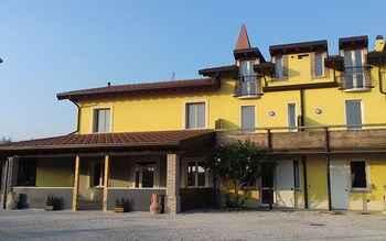EXTERIOR_BUILDING Corte Vignola