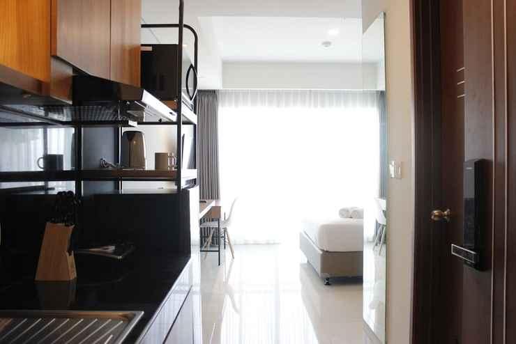 BEDROOM Modern Stylish Studio at Greko Apartment Bandung