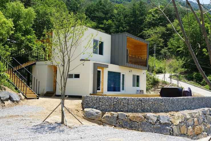 EXTERIOR_BUILDING Moonlight Village Pension