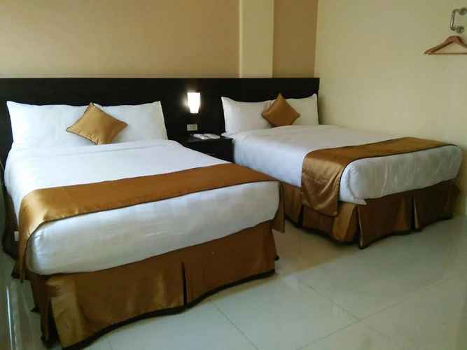 BEDROOM Grand Touring Hotel