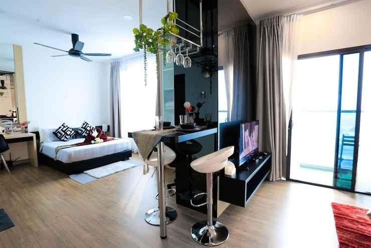 BEDROOM MLH Deluxe Studio Suites @ Landmark Residence