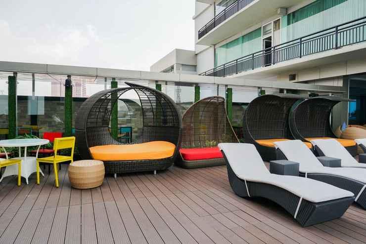SWIMMING_POOL Green Interior 2BR Pasar Baru Mansion Apartment