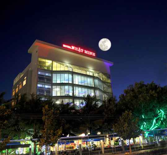 EXTERIOR_BUILDING Khách sạn Nhật Minh