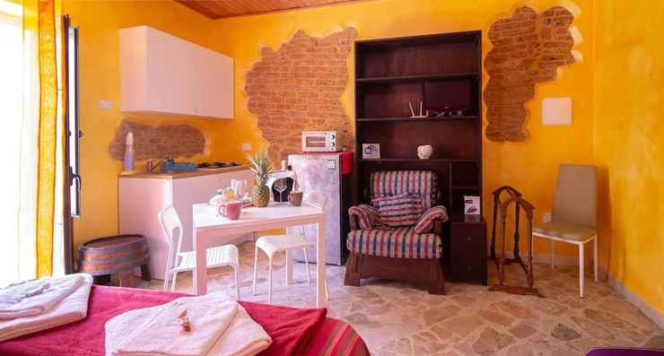 BEDROOM Studio in Castelbuono, With Wonderful Mountain View, Balcony and Wifi - 13 km From the Beach