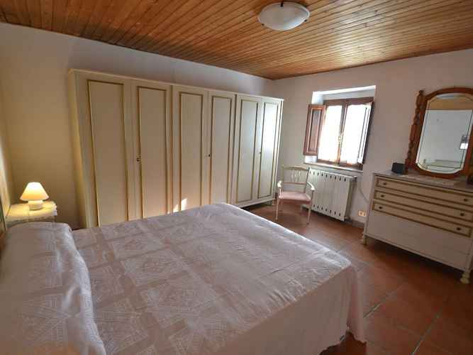 BEDROOM Authentic Colonial Property set in the Tuscan Hills