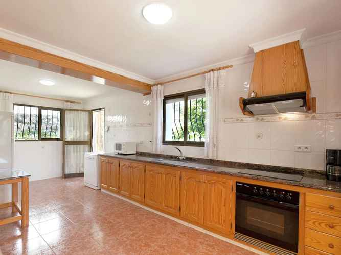 BEDROOM Pleasant Villa in Adsubia-forna With Swimming Pool